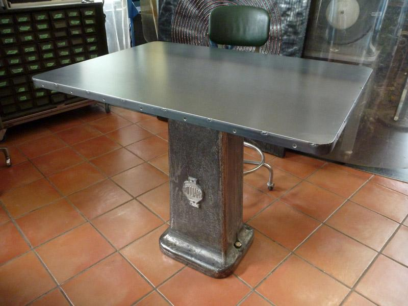 Vintage industrial steel desk table, coolvintage.ca, roy mackey, flamingsteel.com